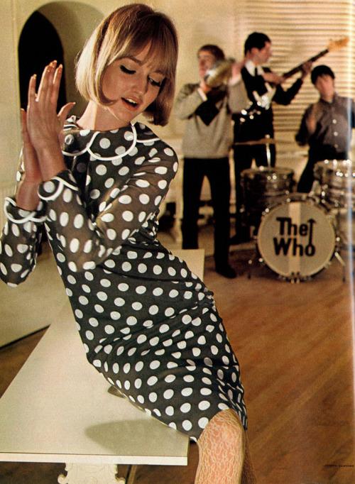 60s Mod Girl In Polka Dots Stylecaster