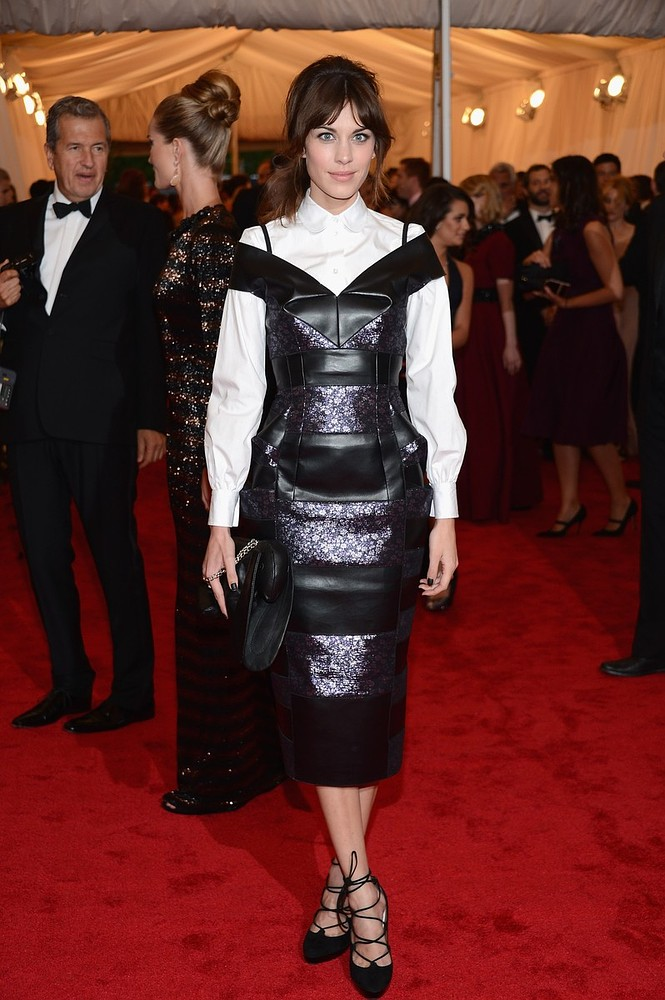 Get Alexa Chung's Retro Modern Updo From Last Night's Met Ball Gala - StyleCaster News