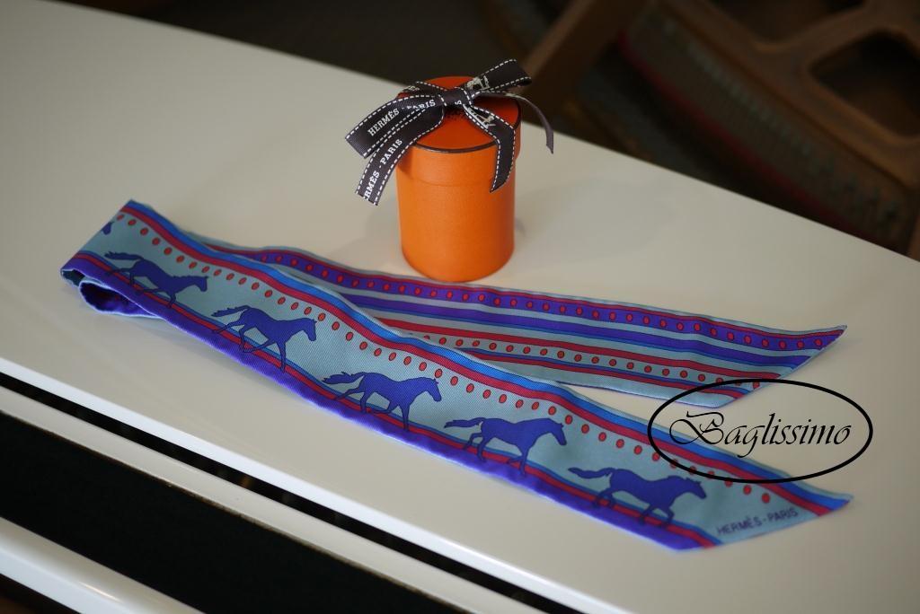 Hermès Twilly Bleu Glacier/Violet/Rouge Silk