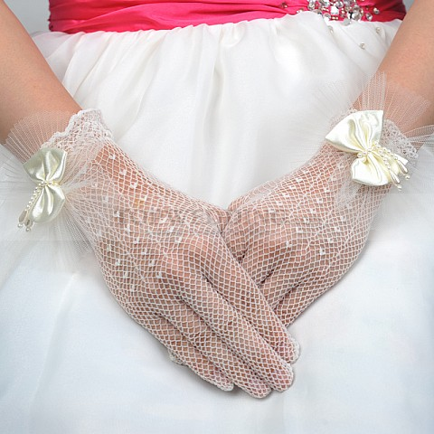 Ivory Wrist Length Lace Wedding Gloves with Pearled Bow