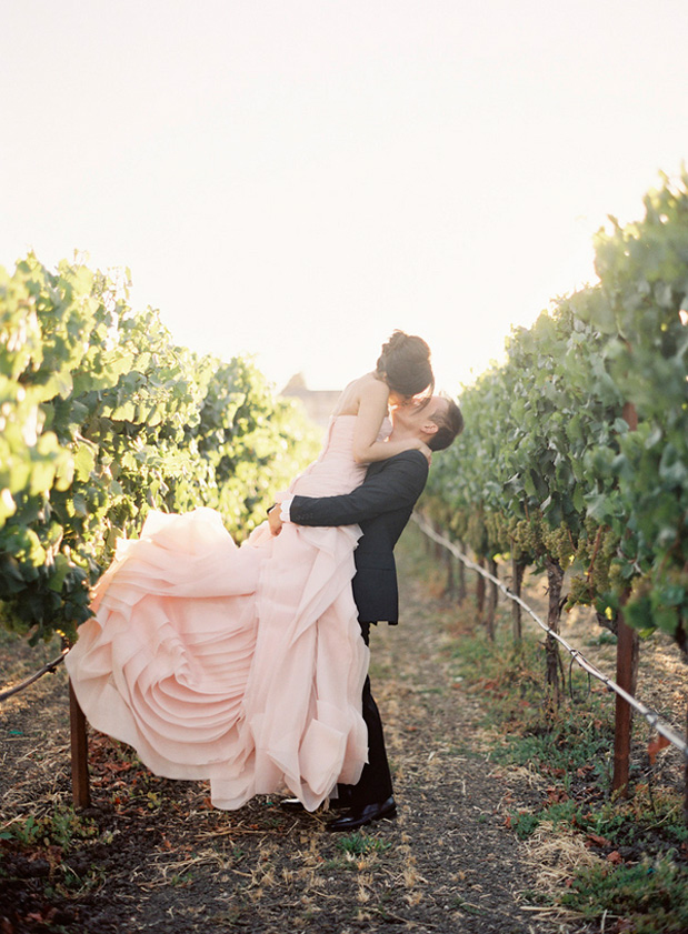 whitelightsandlatenights: Greylikesweddings.com Blush, Vera Wang - Photo by