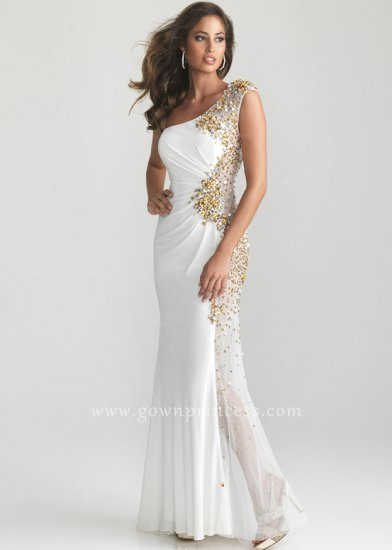 Similiar White Fitted Prom Dress Keywords