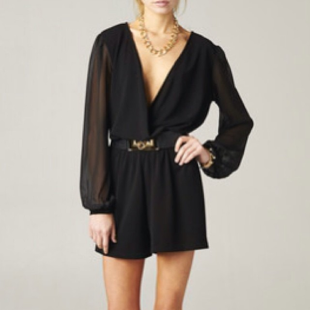 DEEP V LONG SLEEVE ROMPER! WWW.SHOPPUBLIK.COM