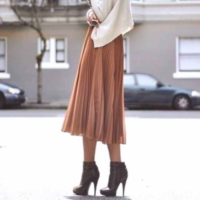 WOVEN PLEATED MIDI SKIRTS! WWW.SHOPPUBLIK.COM