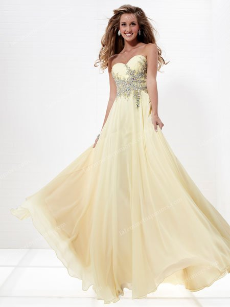 Stunning Sweetheart Strapless Sequins Flowing Chiffon Prom Gown By Tiffany